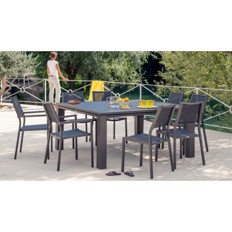 Table carr e fiero 160 cm for Table exterieur carre 8 personnes