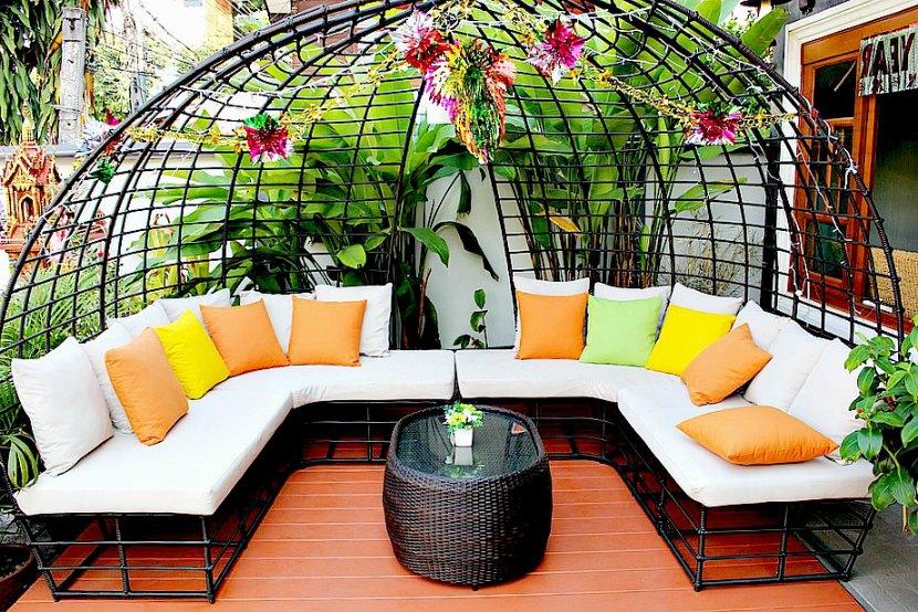 Osez les couleurs pour votre terrasse